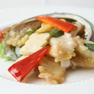 礼華 青鸞居 - 料理写真:蝦夷鮑の炒め