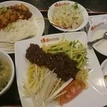 桂園 香港酒家 - 北京風ジャージャー麺のセット