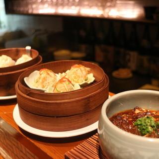 色んな中華料理を小皿で少しずつ♪