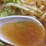 40524951 - スープは、ほんのり「焦がしタマネギ」のような風味が。