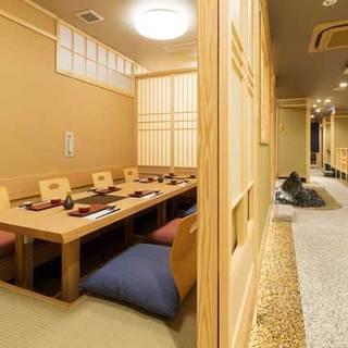 純和風・白木基調の落ち着いた雰囲気の個室が好評です。