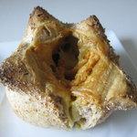 BROWN MOUNTAIN BAKERY  - チーズコンプレ