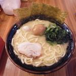 壱角家 - ラーメン並¥680 +半熟味玉(クーポン無料・通常¥100)
