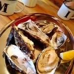 40537398 - オープンから3日間限定の生牡蠣。1個10円