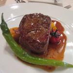 40539540 - メインのお肉料理は牛フィレ肉のトルネードステーキ、ドフノワーズ添え、ソースは粒マスタードのソース。