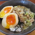 煮干し中華そば・つけ麺 海猫 -