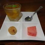 広味坊 - 6種類のおかず定食のデザート