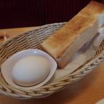 コメダ珈琲店 - ゆで卵とトーストが付いてくる★