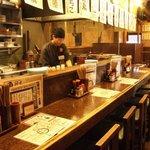 串たつ - カウンター席も人気!!会社帰りにお気軽にご利用ください。
