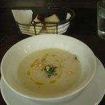 オステリア・ピノ・ジョーヴァネ - ジャガイモのスープ