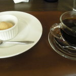オステリア・ピノ・ジョーヴァネ - 紅茶のジェラート&コーヒー