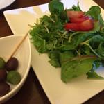 Kitchen bar chiki-chiki - チキチキサラダ&オリーブ盛り合わせ