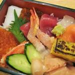 ふらの 海の花 - ランチの海鮮丼(酢飯)