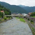 ひばり食堂 - 綺麗な川2