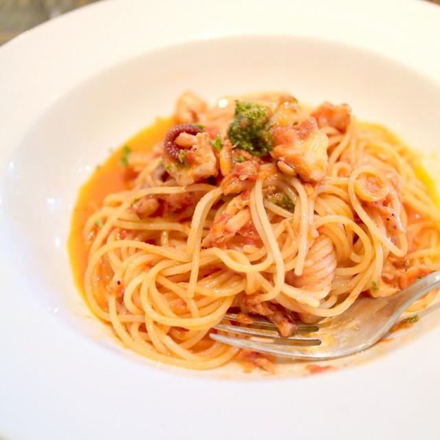 ビストロ オリーブ - 魚介のトマトソースパスタ '15 7月中旬
