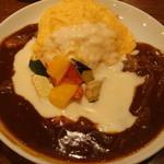 ロムレット - 夏野菜のWソースオムライス880円