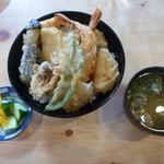 保原屋食堂 - 天丼900円お味噌汁・漬物付き