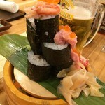 横濱魚萬 JR鶴見西口駅前店 - そして裏面~。                             なんかさみしい~(TwT  )