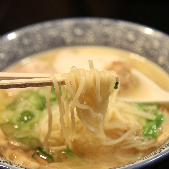 武一 横浜関内店 - 麺リフト