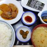 食事処 ときわ - この日の朝定食「赤魚と大根の煮つけ」