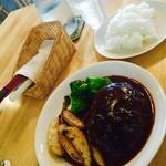cafe Natura - 洋食屋さんのハンバーグ(^^)