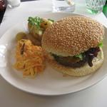 Cafe Trama - 料理写真:ハンバーガー