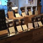 ゼロハチコーヒー - まっすぐ奥が販売コーナー