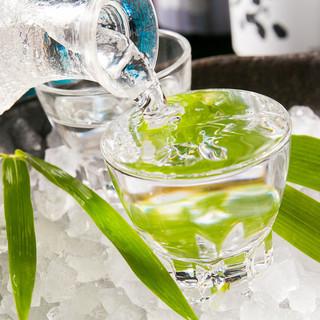 日本酒は定番で20種類。季節ものも常時5~10種類ございます
