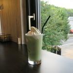 森のカフェおん - 料理写真:抹茶ラテフロート