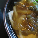 Daifukuudon - エッジなかなか。平たいタイプの麺。