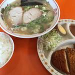 長浜ラーメン三吉 - 料理写真:⚫︎A定食=880円    ラーメン+めし+トンカツ