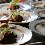 シェケン - 料理写真:絶妙な火加減のポワレ、赤ワイン煮、コンフィ、様々な調理法で提供しています。
