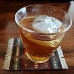 カフェバー ノット - お代わり自由の健康茶