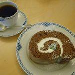 Flat Cafe - ロールケーキセット[ブルーマウンテンブレンド]