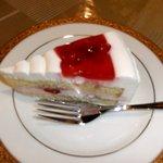どんぐりんこのテラス - いちごのケーキ