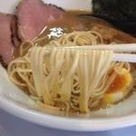 ラー麺 陽はまた昇る - とりとんこつラー麺(750円)麺リフト