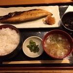 銀座ひかり - 鯖の塩焼き定食890円。