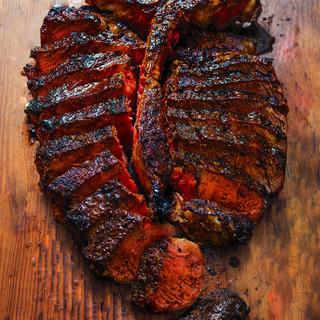 究極の熟成肉の焼き上げ法『Black&Blue』で