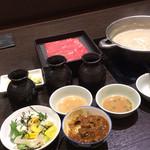 鍋ぞう - 豚しゃぶ食べ放題1720円 肉10皿、野菜1皿、カレー、ドリンク、かき氷、ソフトクリーム、ココで限界!CPは十分ではないか!