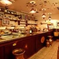 イル・バーカロ - イタリア人やソムリエも集うカウンター!グラスワインと前菜を気軽に楽しむのもイタリア人流♪
