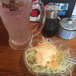 焼肉食道 かぶり - サラダ、レモンサワー