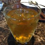 タイレストラン タニサラ - ジャスミン茶