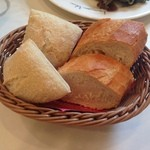 40644304 - 2015年7月:Bランチ(\800)…パンが付きました♪(写真は2人分)