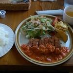 パパズキッチン - トマトとガーリックのチキンランチ