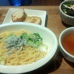 kawara CAFE&DINING -FORWARD- - 週替わりパスタプレート(釜揚げシラスとキャベツのペペロンチーノ)