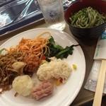 40650927 - 絶景のホテルで夕飯★                       バイキングでした!                       茶うどんでやっと麺が食べられる!