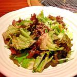 アリラン - チョレギサラダ。 ペッパーが効いてて美味しい❤︎