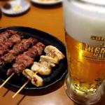 焼鶏 炭吉 - 生ビールとカシラ、軟骨