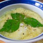 蒸鶏工房 白地商店 - 鶏スープ (鉄板スープ。ふわふわ〜としたタマゴが素敵なルックス)