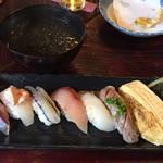 津久司 - ランチの飯として鮨と巻物、そして海苔汁